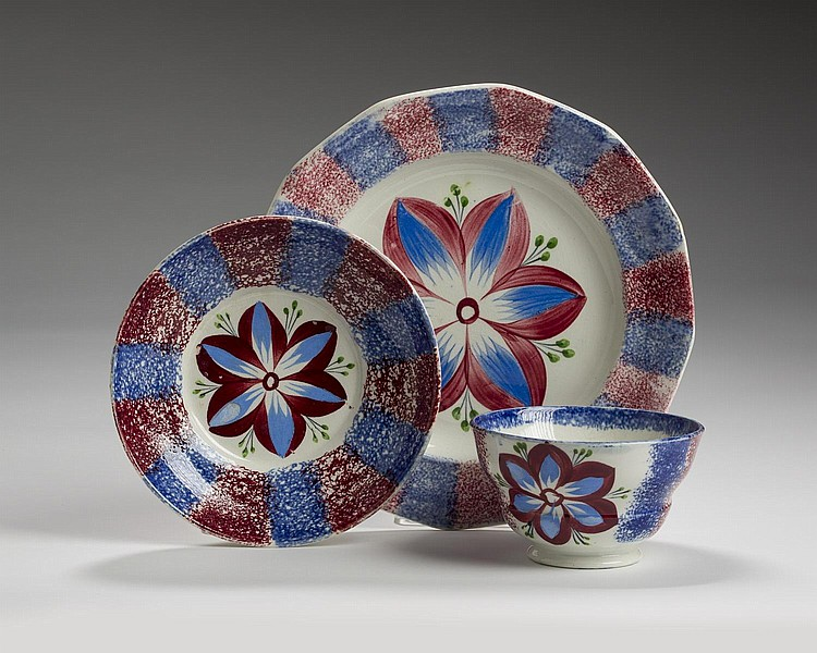 STAFFORDSHIRE BLUE AND RED SPATTERWARE 'OPEN TULIP' TEABOWL AND SAUCER AND A DESSERT PLATE, CIRCA 1840.
