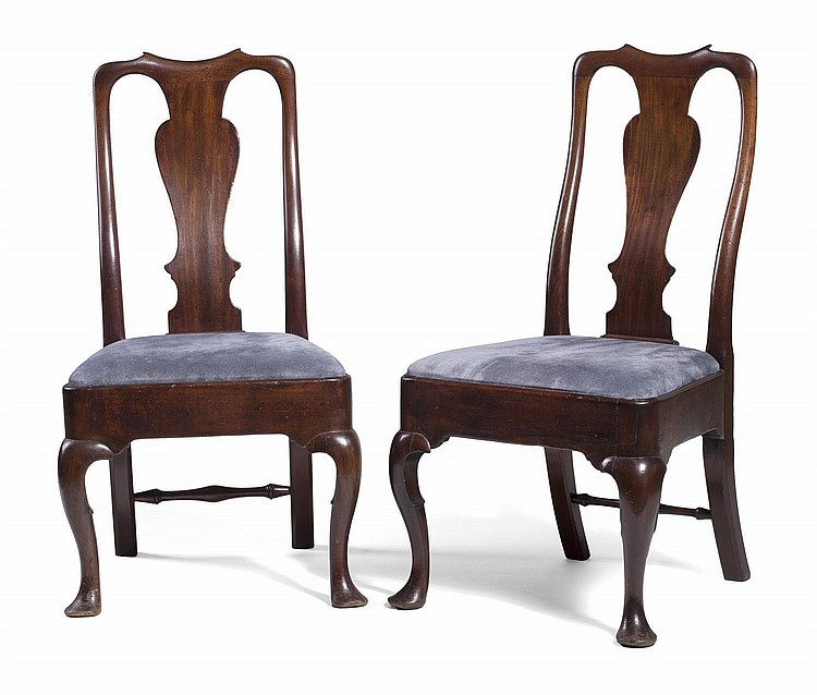 PAIR OF ENGLISH QUEEN ANNE MAHOGANY SIDE CHAIRS.