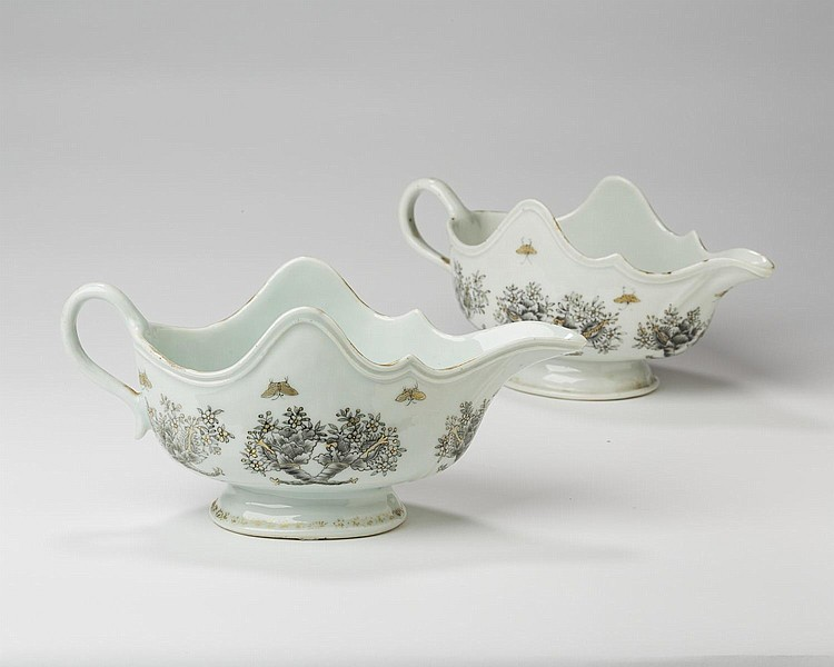 PAIR OF CHINESE EXPORT PORCELAIN SILVER-SHAPE SAUCEBOATS, CIRCA 1775.