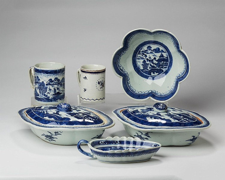 GROUP OF CANTON PORCELAIN BLUE AND WHITE WARES, NINETEENTH AND TWENTIETH CENTURY.