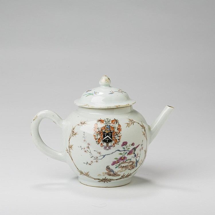 CHINESE EXPORT PORCELAIN ARMORIAL TEAPOT AND COVER WITH THE ARMS OF MOSLEY, CIRCA 1755.