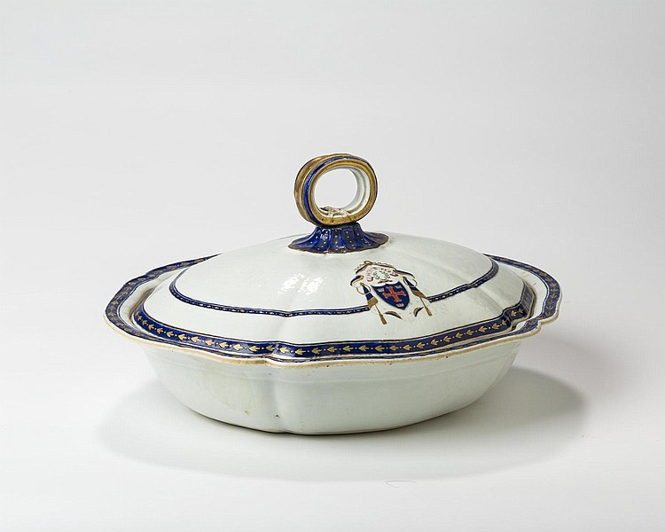 CHINESE EXPORT PORCELAIN ARMORIAL VEGETABLE DISH AND COVER WITH THE ARMS OF M'ARTHUR, CIRCA 1795.