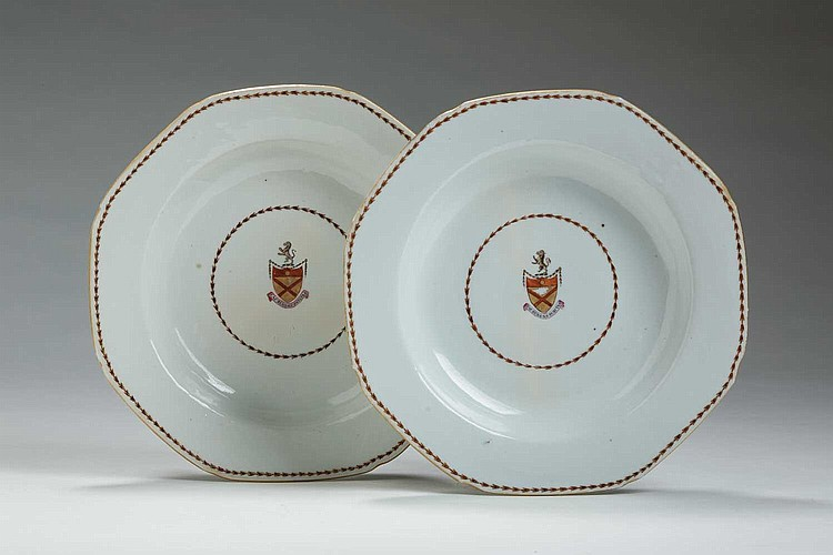 PAIR OF CHINESE EXPORT PORCELAIN ARMORIAL OCTAGONAL PLATES WITH THE ARMS OF BRUCE, CIRCA 1785.