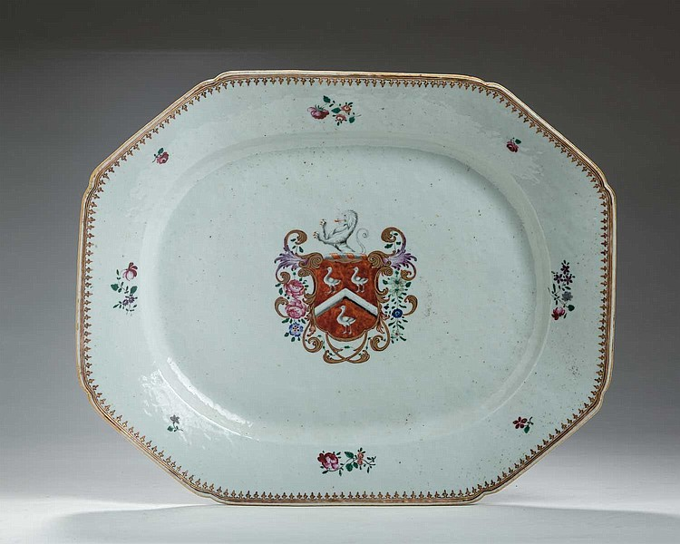 CHINESE EXPORT PORCELAIN ARMORIAL PLATTER WITH THE ARMS PROBABLY OF SAYER, CIRCA 1765.