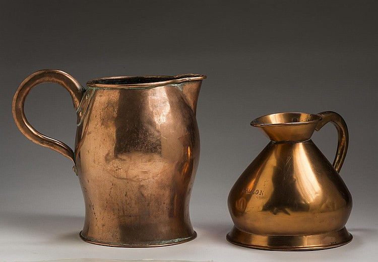 BRITISH COPPER TWO GALLON HAYSTACK MEASURE AND AN ALE JUG, SECOND HALF NINETEENTH CENTURY.