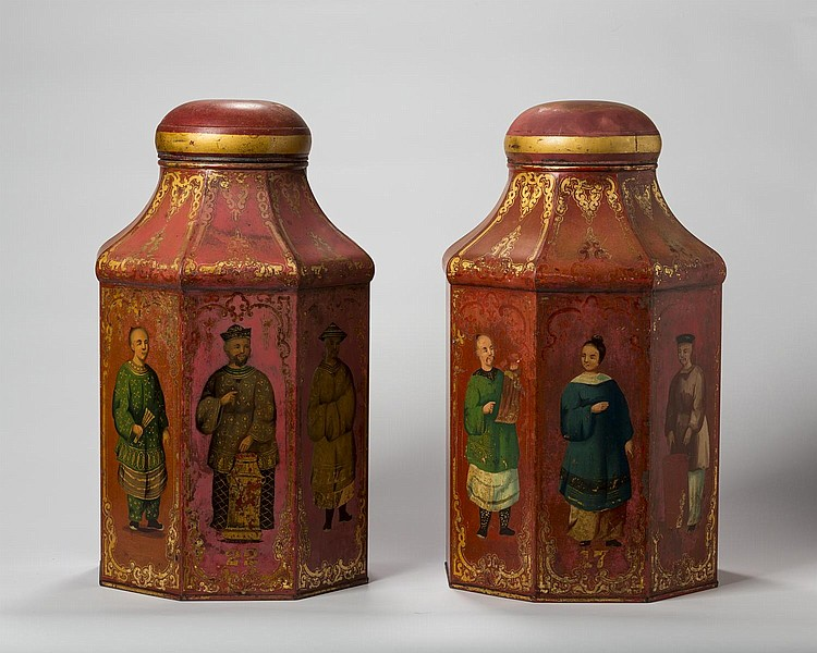 FINE PAIR OF ENGLISH CHINOISERIE PAINTED AND GILT RED-GROUND TIN TEA CANNISTERS, EARLY NINETEENTH CENTURY.