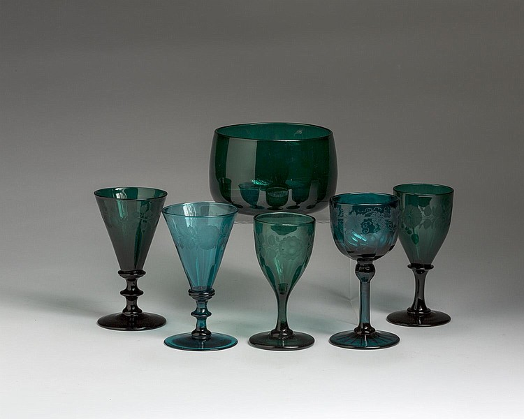 GROUP OF AMERICAN AND CONTINENTAL ENGRAVED TEAL AND GREEN GLASS WARES, SECOND HALF NINETEENTH AND TWENTIETH CENTURIES.