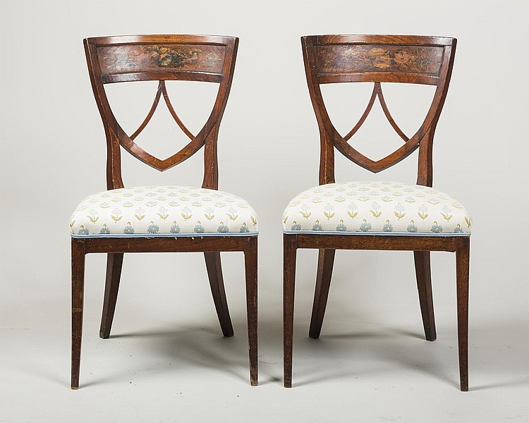 PAIR OF EUROPEAN NEO-CLASSICAL SIDE CHAIRS.