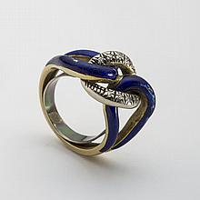 GOLD, DIAMOND AND BLUE ENAMEL CHAIN-LINK RING.