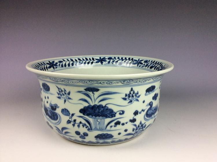 Chinese porcelain washer pot,blue & white glazed,