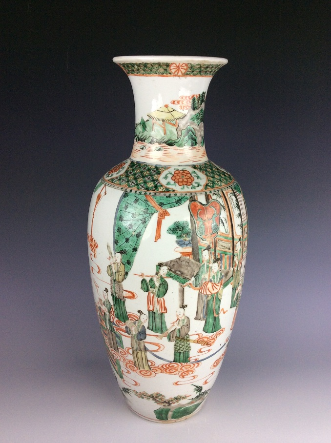 19C Vintage & Fine Chienese verte porcelain vase, decorated with figures
