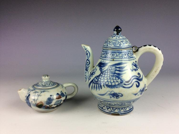 A set of two vintage Chinese porcelain wie pot, blue & white glazed, one with underglazed red, decorated, marked