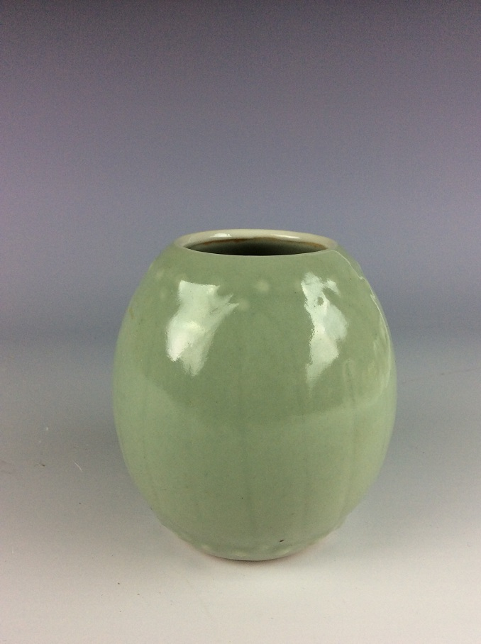 Fine Chinese porcelain pot, celadon glazed, decored, marked