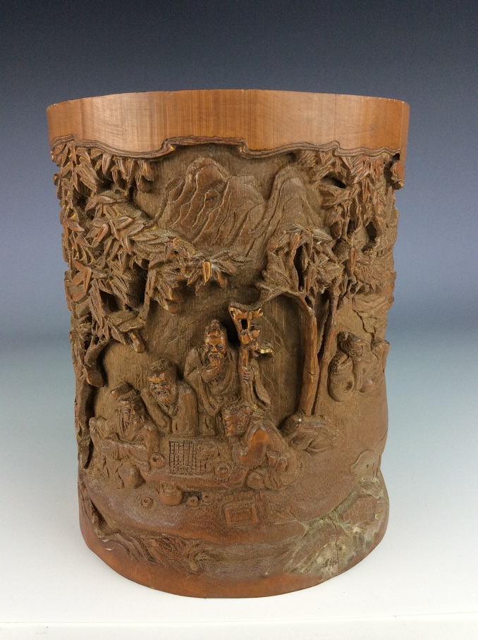 Fine Chinese carved bamboobrush pot, decorated .