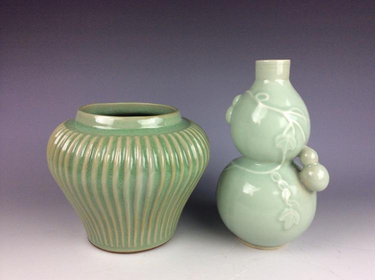 A set of Chinese porcelain vase and jar,  celadon glazed
