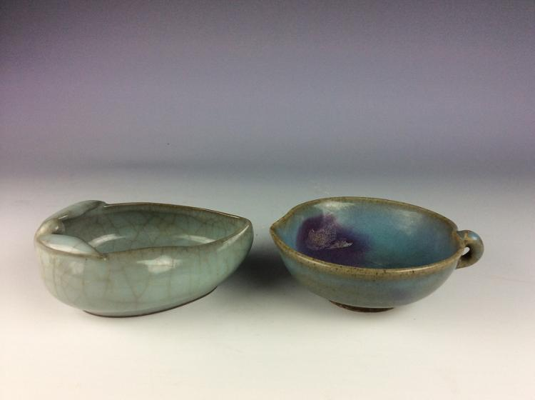 A set of two Chinese porcelains, one is Jun style with purple spot on dblue glazd, one is Gun style, celadon glazed bowl.
