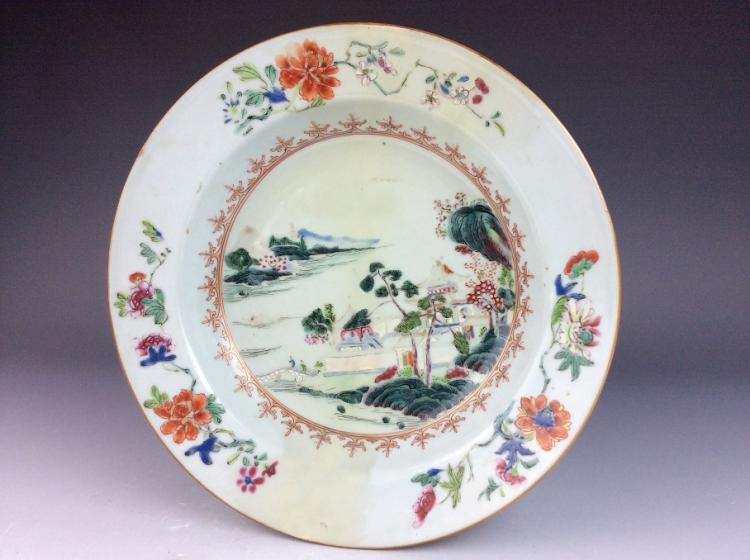 Fine Chinese porcelain plate, famille rose glazed