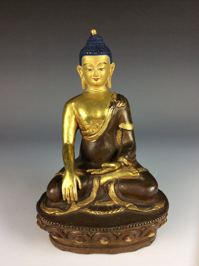Rare Chinese gilt-bronze buddha figure,