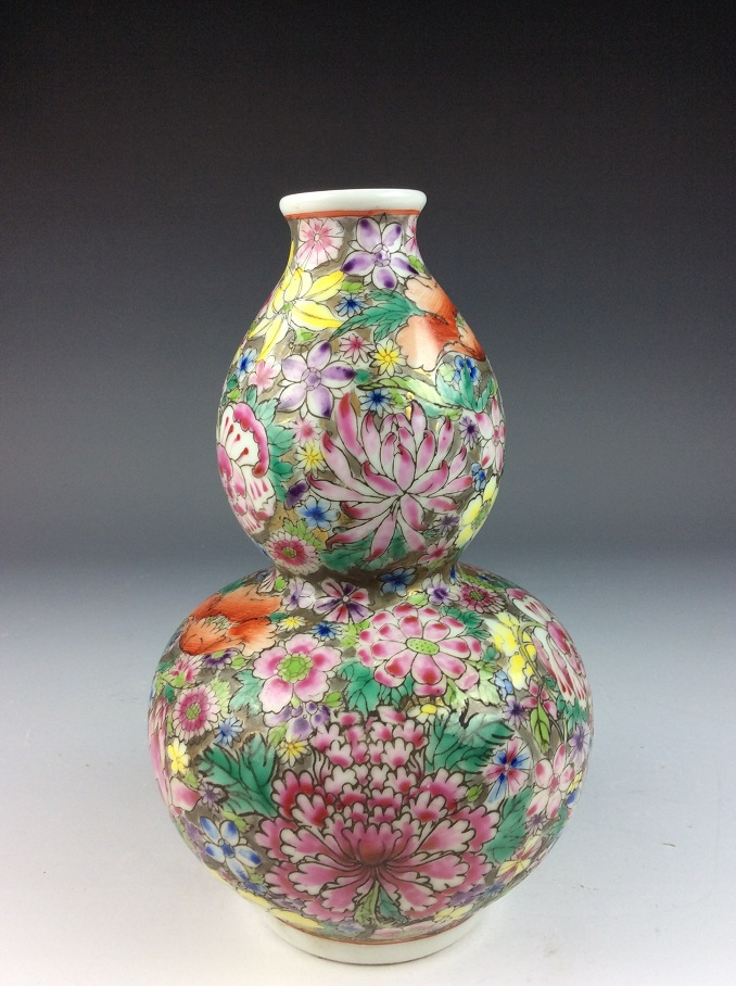 Chinese porcelain vases, famille rose glazed