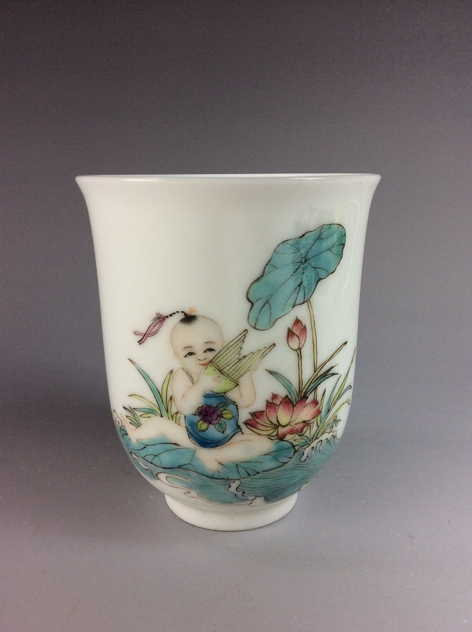 Fine Chinese porcelain cup,  familee rose glazed, decorated and marked
