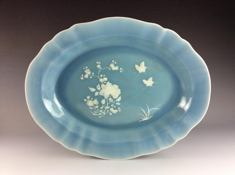 Fine Late Qing period, Chinese porcelain plate, Clair-air-de-lune glazed (blue) decorated white flowers.