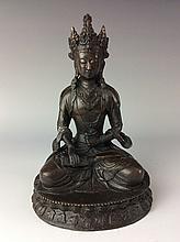 Fine Chinese bronze buddha figure,