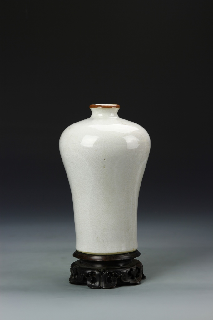 Chinese White Glazed Meiping Vase