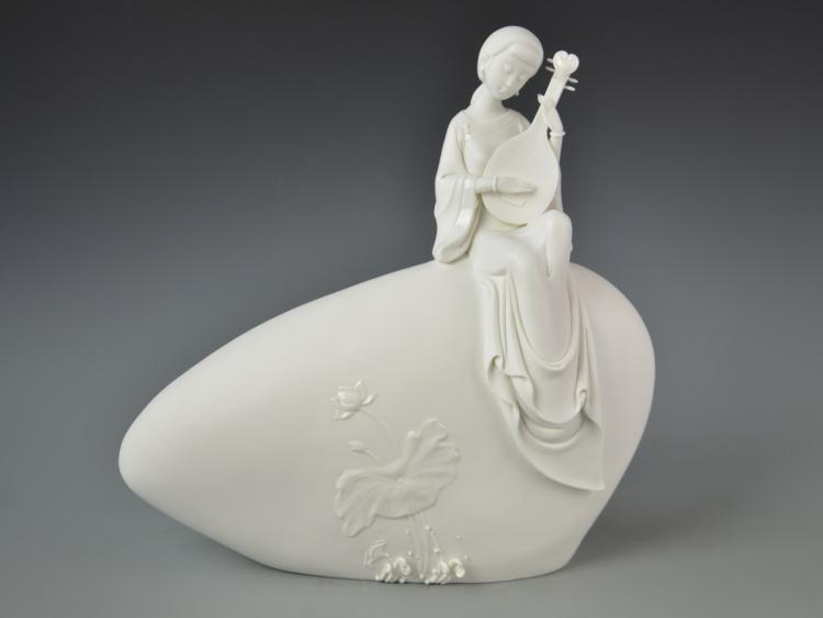 Chinese Blanc de Chine Lady Figure