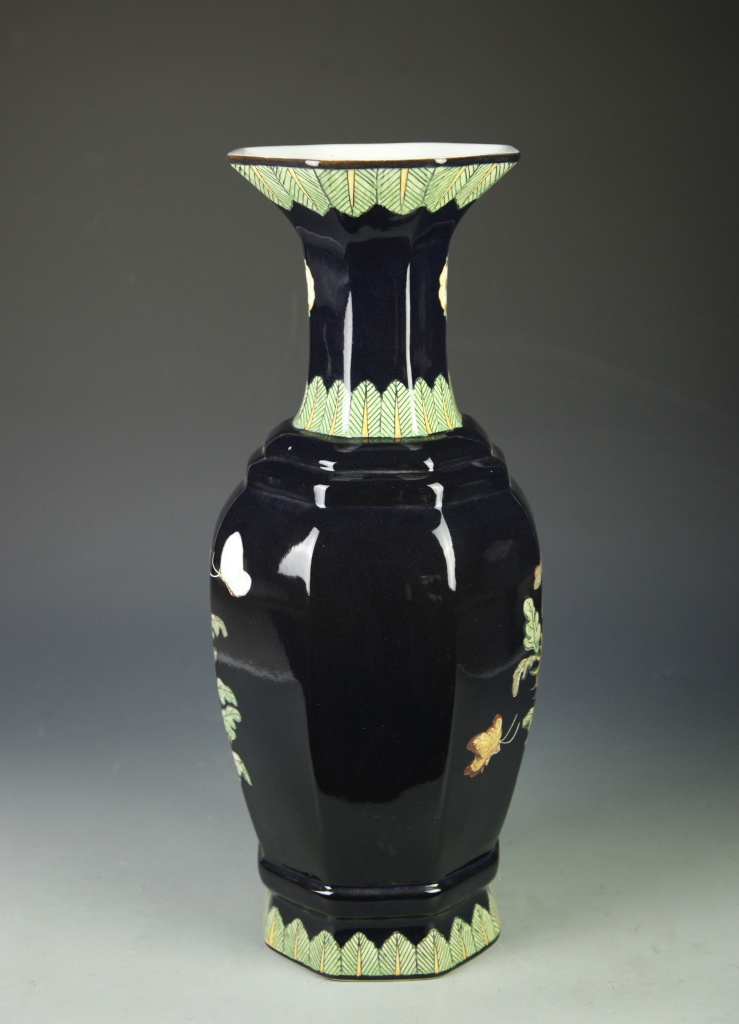 chinese noir vase. Black Bedroom Furniture Sets. Home Design Ideas