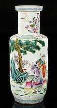 CHINESE BIG FAMILLE ROSE PORCELAIN VASE