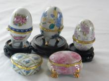 LOT OF PORCELAIN EGGS AND BOXES