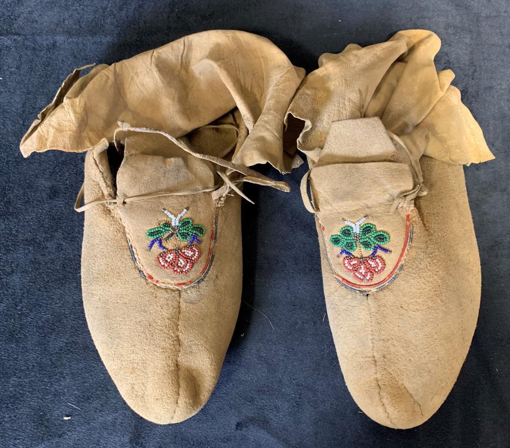 Original Hand Made Inuit Boots & Gloves