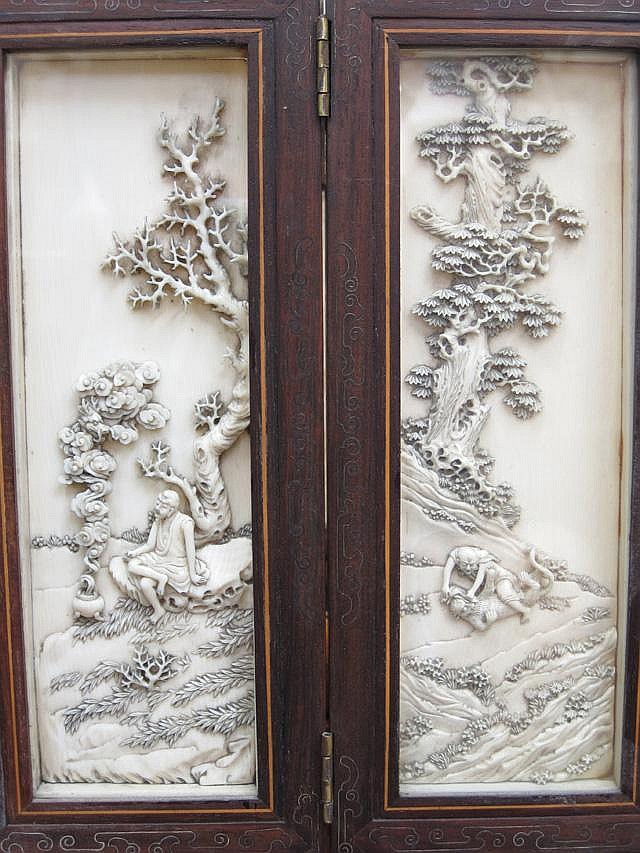 CHINESE IVORY SIX-PANELED MINIATURE TABLE SCREEN.