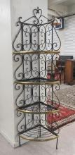 A PAIR OF BRASS AND IRON CORNER BAKER'S RACKS, Fre