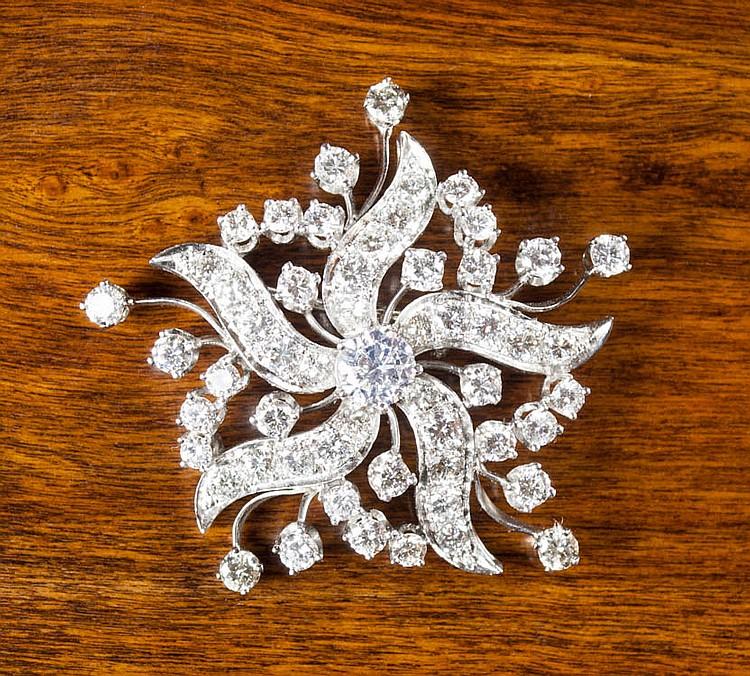 ESTATE DIAMOND AND WHITE GOLD PENDANT/BROOCH, 14k