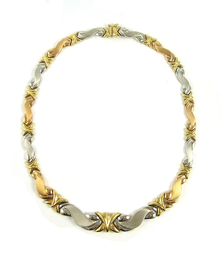 TURKISH EIGHTEEN KARAT TWO-TONE GOLD NECKLACE, mea