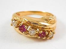 PINK TOURMALINE, DIAMOND AND YELLOW GOLD RING.  Th