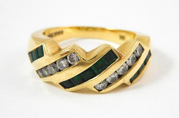 EMERALD, DIAMOND AND FOURTEEN KARAT GOLD RING, wit