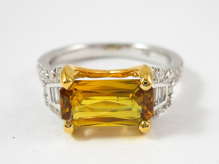 YELLOW SAPPHIRE AND DIAMOND RING, with AIGS Gemsto