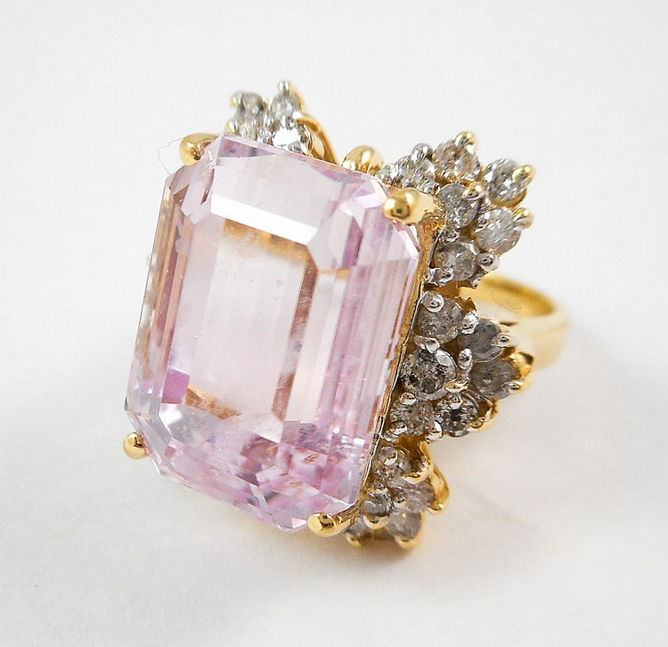 KUNZITE, DIAMOND AND FOURTEEN KARAT GOLD RING, wit