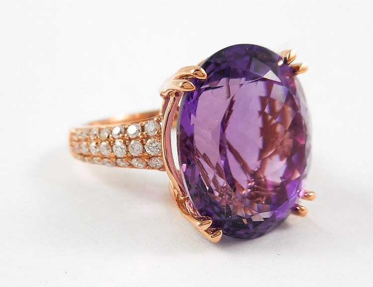 AMETHYST, DIAMOND AND ROSE GOLD RING. The 14k gol