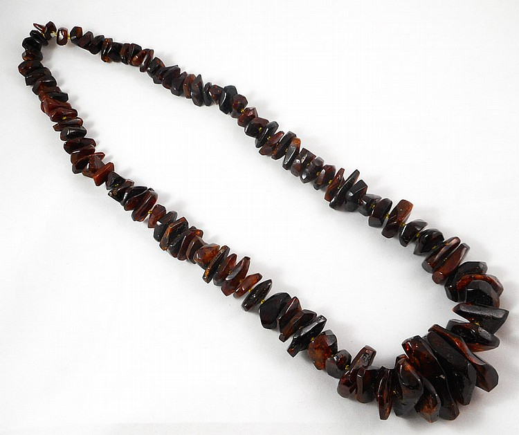 NATURAL RUSSIAN BALTIC AMBER NECKLACE, measuring 3