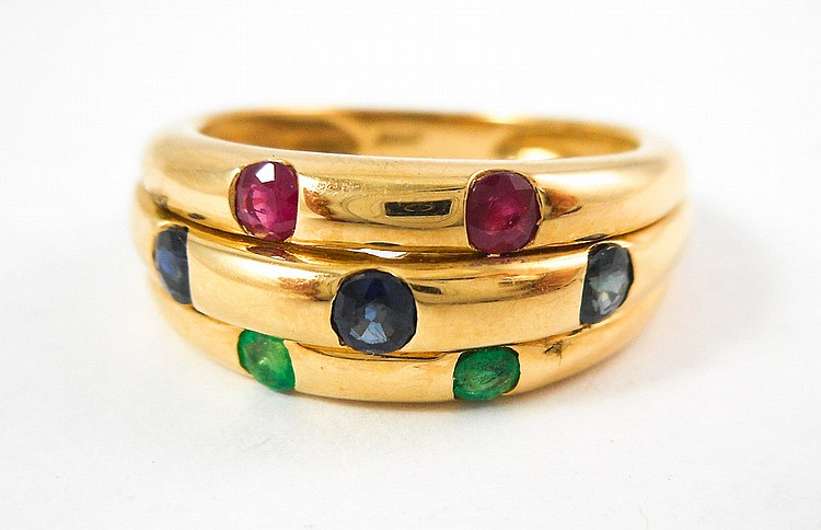 RUBY, EMERALD, SAPPHIRE AND YELLOW GOLD RING.  The
