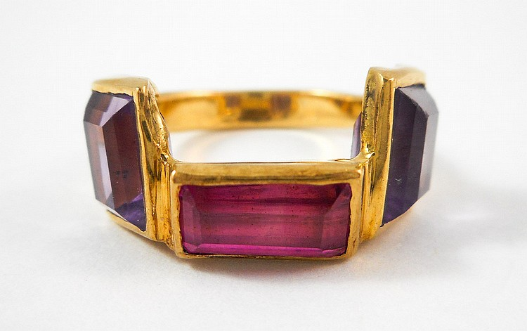 AMETHYST AND PINK TOURMALINE RING, 18k yellow gold