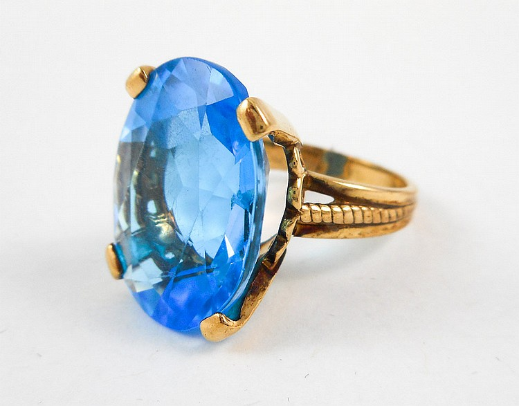 BLUE TOPAZ, DIAMOND AND ROSE GOLD RING.  The 10k r