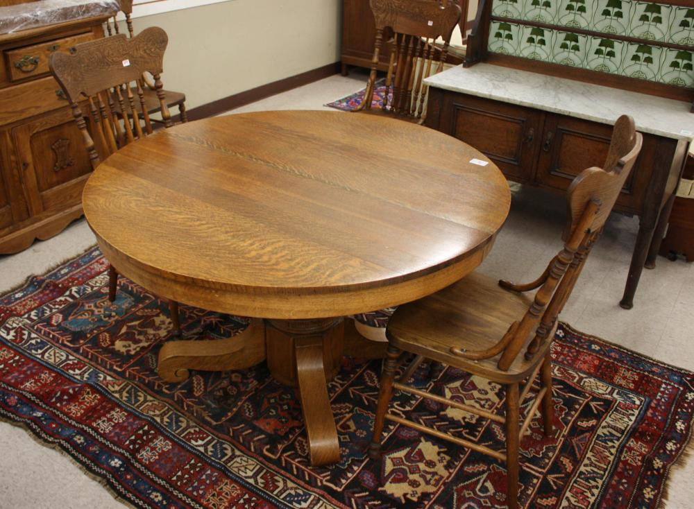 ROUND OAK PEDESTAL DINING TABLE, FIVE CHAIRS, THRE