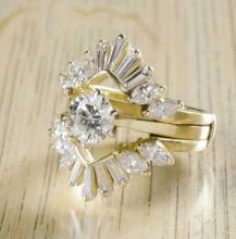 ESTATE DIAMOND AND FOURTEEN KARAT GOLD RING