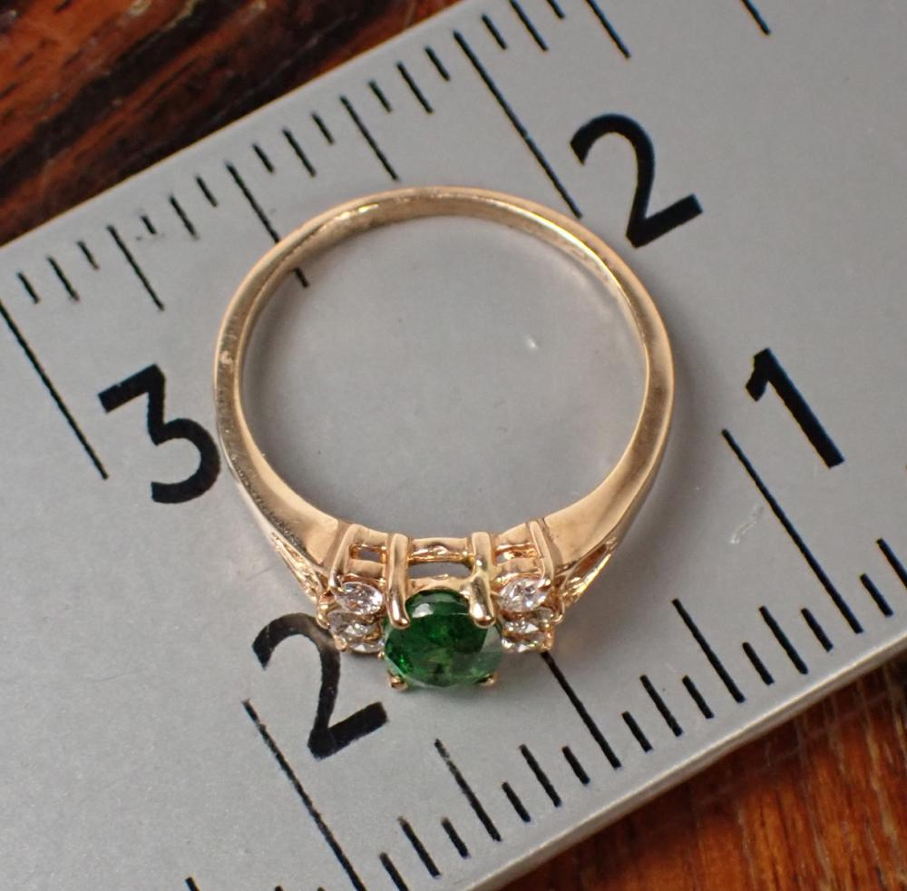 TSAVORITE GARNET, DIAMOND AND GOLD RING