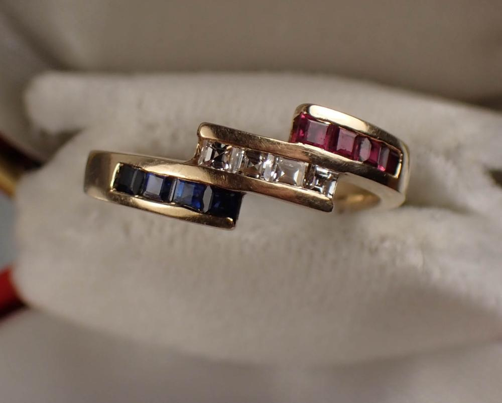 DIAMOND, RUBY, SAPPHIRE AND GOLD RING