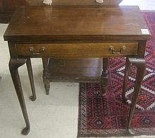 QUEEN ANNE STYLE MAHOGANY GAME TABLE, Schott